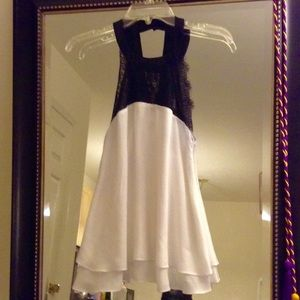 Sheer White Top w/ Black Lace - LIKE NEW ⚪️⚫️